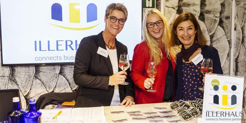 Das Team von Illerhaus Marketing mit Gründerin Susanne Illerhaus in der Mitte
